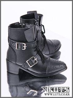 eLuts shoes