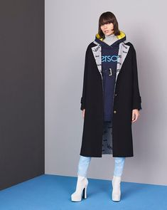60 Best Versace Pre-Fall 2018 images   Dressy outfits, Editorial ... 257b9908bd1