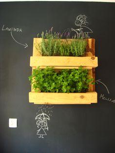 Pallet herb rack #Herbs, #Pallet, #Planter, #Rack, #Upcycled