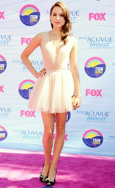 PLL's Troian Bellisario looks like a pretty ballerina in her off-white dress. We'd love to twirl around in it!
