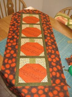 Green Fairy Quilts: Show and Tell! Pumpkin Table Runner!