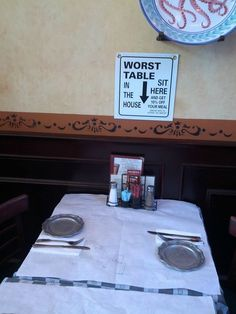 This restaurant is honest about the worst table - but at least there is a discount Restaurant Marketing, Restaurant Signs, Restaurant Ideas, Funny Signs, Funny Memes, Hilarious, Funny Quotes, Server Life, Marketing Strategies