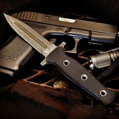 Plan B boot dagger. Tactical Survival, Tactical Knives, Boot Knife, Pretty Knives, Fantasy Sword, Military Guns, Knives And Swords, Knife Making, Blacksmithing