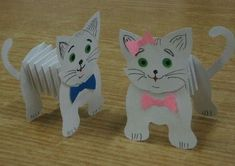 """Cats with """"folds"""" - Easter crafts - . - Cats with """"folds"""" – tinker Easter – … – origami in - Kids Crafts, Animal Crafts For Kids, Cat Crafts, Toddler Crafts, Preschool Crafts, Easter Crafts, Projects For Kids, Diy For Kids, Diy And Crafts"""