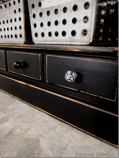 Black Paint Makes Furniture Cly And Sy