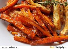 Tymiánové hranolky z mrkve a celeru recept - TopRecepty.cz Gaps Diet, Cooking Recipes, Healthy Recipes, Vegetable Side Dishes, What To Cook, Carrots, Bacon, Clean Eating, Food And Drink