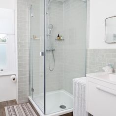 Stylish shower with metro tiled walls and wood-effect tiles Best Bathroom Designs, Bathroom Interior Design, Bathroom Ideas, Bathroom Pictures, Bathroom Furniture, Diy Bathroom Remodel, Shower Remodel, Bathroom Remodeling, Modern Bathroom