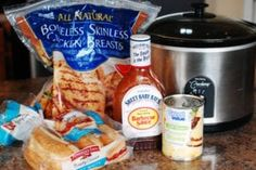 Hawaiian Barbecue Chicken Sandwiches with Slow Cooker - A .- Hawaiian barbecue chicken sandwiches with slow cooker – an easy version of an old favorite - Bbq Chicken Sandwich, Bbq Sandwich, Sandwiches, Barbecue Chicken, Hawaiian Bbq, Hawaiian Chicken, Pineapple Chicken, Hawaiian Islands, Slow Cooker Recipes