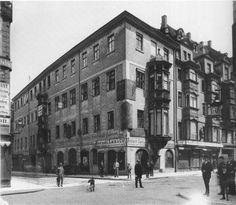 Reichsstraße / Grimmaische Straße um 1895 Germany And Prussia, Old Photographs, Paris, Krakow, Dresden, Poland, Street View, History, Retro