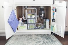 How to organize under the kitchen sink. Get rid of all the clutter and create a functional and beautiful organized cabinet. Learn exactly what organizing products to buy. Kitchen Drawer Organization, Sink Organizer, Home Organization, Kitchen Storage, Organizers, Kitchen Buffet, Kitchen Ideas, Kitchen Cupboard, Kitchen Sinks
