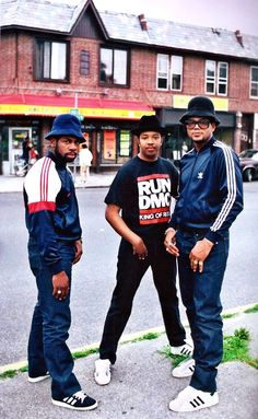 Our second entry is Run-DMC and Hip-Hop. Originally from Queens in Run DMC (Joseph Simmons, Darryl McDaniels and Jam Master Jay) were extremely influential in defining Hip-hop and. Fashion Guys, Hip Hop Fashion, 80s Fashion, Look Fashion, Urban Fashion, Fashion Brand, Bikini Fashion, Fashion History, Trendy Fashion