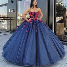 Princess Ball Gown Prom Dress 2020 Hand Made Flowers Party Gown Plus Size Puffy Evening Dresses Long Vestidos De Fiesta De Noche photo ideas from Dresses for Women Royal Blue Prom Dresses, Blue Ball Gowns, Pretty Prom Dresses, Quince Dresses, Ball Gowns Prom, Ball Dresses, Evening Dresses, 50s Dresses, Puffy Prom Dresses