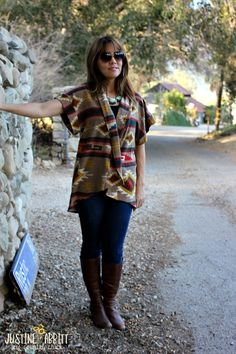 Love, love, love this no-pattern cardigan. Perfect for Texas weather. #sewingpatterns #freepatterns