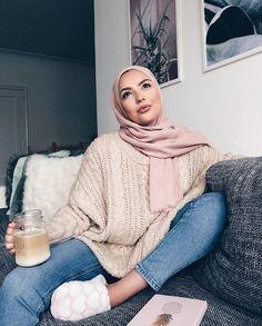 k abonnés, 195 abonnement, 545 publications – Découvrez les photos et vi… – Beauty Shares Modern Hijab Fashion, Street Hijab Fashion, Arab Fashion, Hijab Fashion Inspiration, Islamic Fashion, Muslim Fashion, Mode Inspiration, Modest Fashion, Fashion Outfits