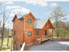 3 Bedroom Log Cabin in heart of Wears Valley. Sleeps 10 3 Baths. Vacation Rental in Sevierville from @homeaway! #vacation #rental #travel #homeaway