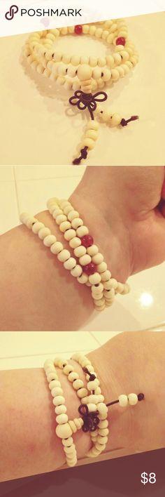 Bracelet necklace prayer Buddha beads. New beautiful sandalwood Buddha beige beaded bracelet.  Stretchy and beautiful to wear anytime.  Fast shipping. Bundle to save. Thank you. Jewelry Bracelets