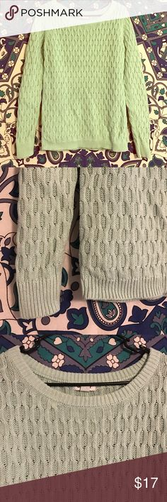 ⭐️ Mint Knit Sweater Comfy chunky knit sweater. Mint/ pale color. Super warm and you can layer with it! Scoop neck. Falls to about your hips. Barely worn! Could probably fit a medium Old Navy Sweaters Crew & Scoop Necks