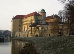 Poděbrady Kirchen, Homeland, Czech Republic, Places To See, Cathedral, Travel Destinations, World, House Styles, Medieval
