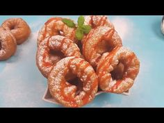 Gogosi inelus (americane) ca la targ - Foarte pufoase. Pastry And Bakery, No Cook Desserts, Onion Rings, Bagel, Donuts, Make It Yourself, Cooking, Ethnic Recipes, Youtube