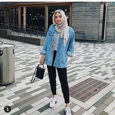 New style hijab casual simple ideas – Hijab Fashion 2020 Modern Hijab Fashion, Street Hijab Fashion, Hijab Fashion Inspiration, Trendy Fashion, Fashion Outfits, Fashion Music, Jeans Fashion, Trendy Style, Fashion Ideas