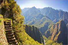 "Wandbild ""Steile #Treppe an einem #Berghang auf dem #Inka-Pfad in Machu Picchu"" http://www.inkatrail.com.pe/"
