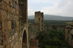 Mis ojos viajeros: Subiendo a las murallas de Monteriggioni, Italia