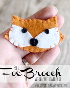 felt fox brooch with free template by @Small Things With Love  guest posting @Sugar Bee Crafts . Love it!