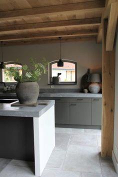 Interieurprojecten - Frieda Dorresteijn - Lilly is Love Barn Kitchen, Rustic Kitchen Design, Style At Home, Modern Farmhouse Kitchens, Home Kitchens, Open Concept House Plans, House Inside, Wabi Sabi, Home Fashion