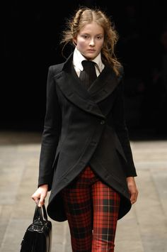 Alexander McQueen Fall/Winter 2006, Widows of Culloden.  [ I <3 this outfit; the trousers are so cute & the color, fabric & shape/ cut of the jacket is amazing. ]