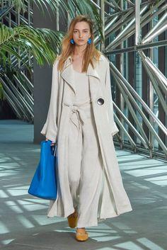 Simon Miller Spring 2018 Ready-to-Wear Fashion Show Collection