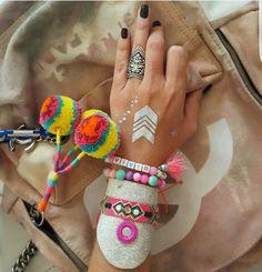 BRAZALETE ❤PULSERA DE CUERO ♡pulsera en cuero con cinta wayuu decorada con espejo bordado y cristales   #mardeamorsw #pulsera #pulseraswayuu #pulseras #pulserasdemoda #pulserasdecuero #manillasdecuero #manilla #manillas #manillaswayuu #manillasdemoda #brazaleteswayuu #brazelet #brazalete #brazaletes #brazalets #brazaletesdecuero #brazaletedecuero #wayuu #wayuustyle #wayuumochila #wayuubags #hippielife #hippiestyle #hippie #hippiegirl #hippiechic #bohogirl #africanleather