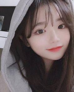 Korean Beauty Girls, Pretty Korean Girls, Cute Korean Girl, Beautiful Asian Girls, Asian Beauty, Snap Girls, Cute Girls, Japonese Girl, Korean Girl Photo
