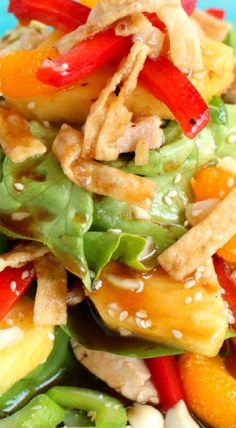 Better Than Cheesecake Factory Luau Salad (Luau Food Party) Salad Bar, Soup And Salad, Cobb Salad, Dessert Banana Split, Luau Food, Polynesian Food, Cooking Recipes, Healthy Recipes, Cooking Tips