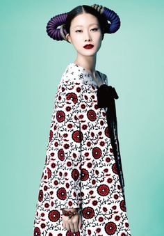 Hyun Yi Lee in Harper's Bazaar Korea, March 2012 {Cool Chic Style Fashion} Foto Fashion, Asian Fashion, Fashion Art, Editorial Fashion, High Fashion, Fashion Beauty, Fashion Design, Style Fashion, Oriental Fashion