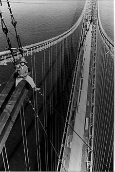 Building the Mackinac Bridge