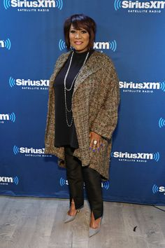 Patti LaBelle Photos Photos - Singer Patti LaBelle visits the SiriusXM Studios on May 2017 in New York City. - Patti LaBelle Performs on SiriusXM's The Groove Channel Soul Singers, Female Singers, Black History Month Quotes, Over 60 Fashion, Women Lawyer, Vintage Black Glamour, Black Goddess, Iconic Women, African American History