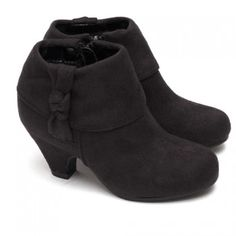 """A cute pair of boots for your toddler or little girl from Forever Link. These faux suede boots feature a 1 1/2"""" heel and zips up the side.  Great with leggings, jeans or even a fun skirt.  A cute knot on the outside gives the perfect accent."""