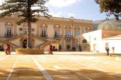 Das Hotel Villa Bonocore Maletto ist schon auf den ersten Blick eine echte Augenweide. Das Gebäude ist eines der eindrucksvollsten Beispiele für barocke Architektur auf Sizilien und liegt in einem weitläufigen Park in der Nähe von Palermo.