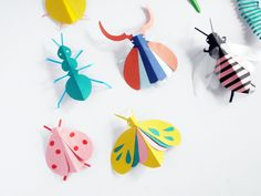 DIY Paper Bugs Hand Puppets for fun and Gams with Creativity!Creative Picture of Paper Crafts Diy Glue a popsicle stick on them to make puppets! Perfect fun for the kids for summertime.My son is all about Insects and Bugs. Paper Crafts For Kids, Diy For Kids, Paper Crafting, Arts And Crafts, Diy Paper Crafts, Color Paper Crafts, Insect Crafts, Bug Crafts, Insect Art
