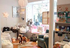 Shop display, kids store. Nanelle, Paris, Boutique déco/mobilier/linge enfant • Conseil aménagement chambres d'enfant.