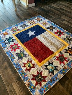 Texas Quilt, Texas Star, Quilting Designs, Bohemian Rug, Comfy, Quilts, Stars, Sewing, Rugs