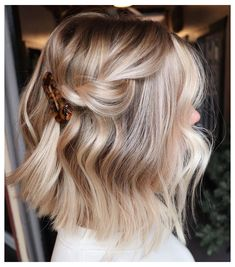 Ideas How To Do an Balayage Ombre on Short Hair Short Balayage, Balayage Hair, How To Balayage, Hair Color And Cut, Ombre Hair Color, Hair Colour, Medium Hair Styles, Short Hair Styles, Short Hair Updo