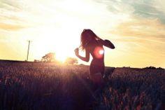 Resultados de la Búsqueda de imágenes de Google de http://favim.com/orig/201105/30/dance-dancing-field-girl-happy-summer-Favim.com-60322.jpg
