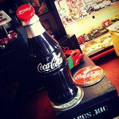 #Cooler original da #Coca-Cola, importado dos EUA, bivolt, 10 litros de capac., 70cm de alt. (R$ 1.400). (at Antiquário XIII)