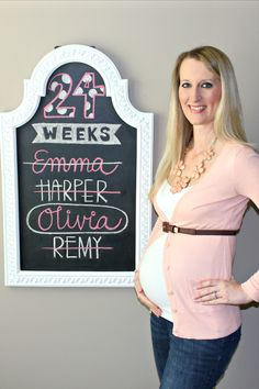 Lindsay's Sweet World: 27 Ideas for Documenting Your Pregnancy on a Chalkboard -  Week by week design ideas for your entire pregnancy.