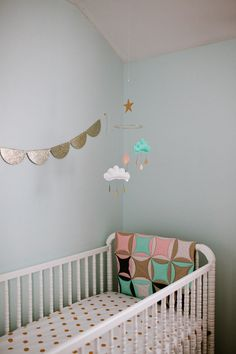 Scallop Glitter Bunting and Adorable Cloud Mobile = nursery sweetness!