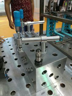 Welding table, fixture table, modular welding table, jig table