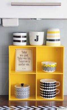 retro,keittiön pikkutavarat,värikäs,keltainen,säilytys