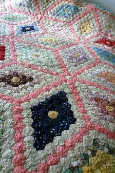 SALE Vintage Yo Yo Bedspread Quilt by LunaParkVintage on Etsy, $45.00