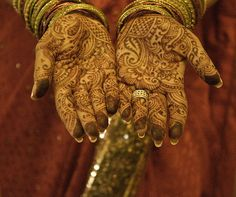 painted hands | indian wedding..